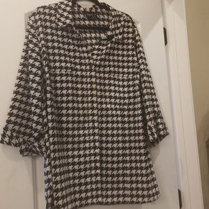 Maggie Barnes button down houndstooth 2x 22/24